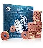 LAVODIA Zedernholz Ringe: 30 Premium Zeder Blumen gegen Kleidermotten – Dekorativer, Natürlicher Mottenschutz im Kleiderschrank – Natürliche Mottenfalle gegen Kleider Motten – 30 Zedernholzringe